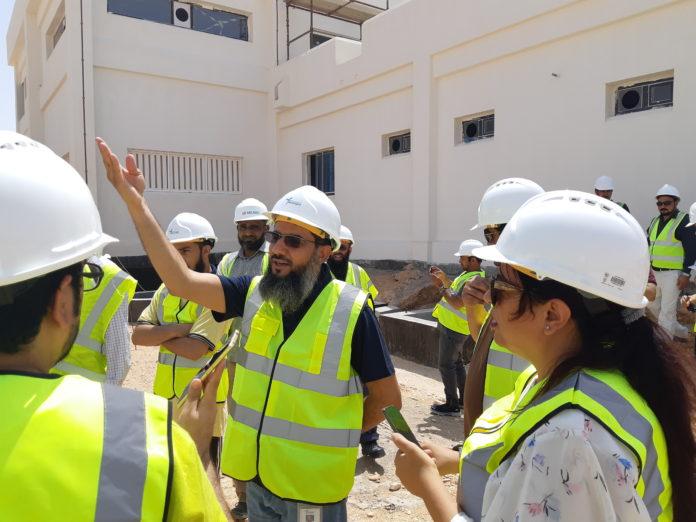 الشعيلي يشرح عناصر المشروع لوسائل الإعلام